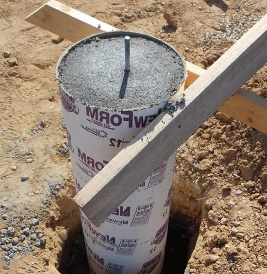 залить бетонные столбы